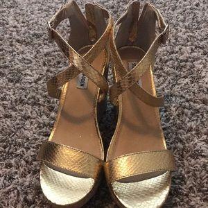 Shoes - Steve Madden Gold Wedges 8.5